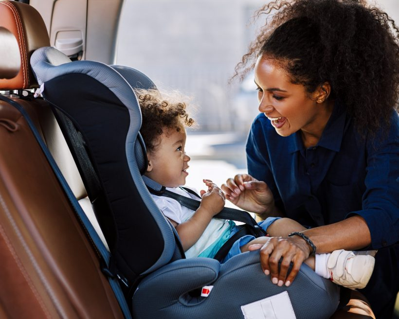 What are the requirements for child seats in rental cars?