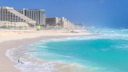 Cancún hotels near Forum Beach