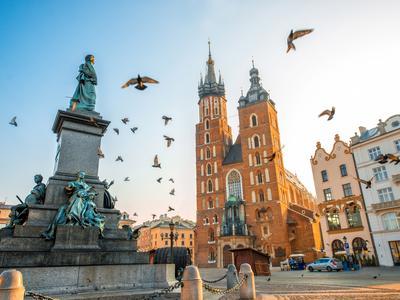 Speed datation Varsovie Pologne rencontres vêtements militaires