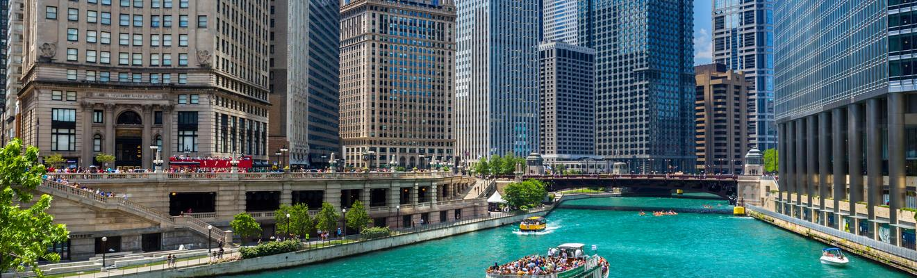 Chicago Hotels Near Magnificent Mile