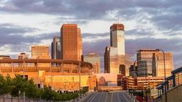 Minneapolis hotels near Target Field