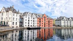 Find cheap flights from Newark Liberty Airport to Ålesund