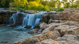 Find cheap flights from Sioux Falls to Missouri