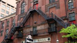 Toronto hotels near Massey Hall