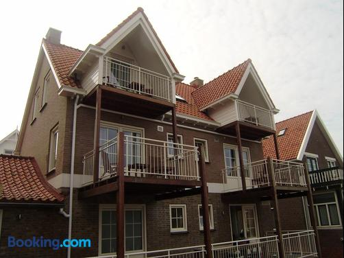 Bed & Breakfast Huys Aan Zee - Domburg - Building