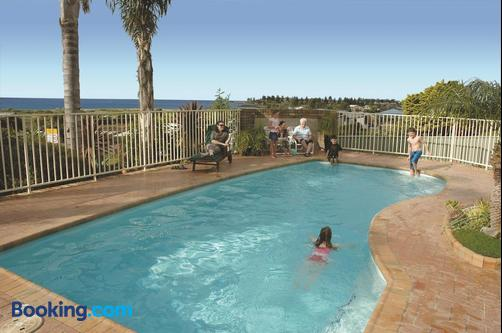 Captain's Quarters Villas - Bermagui