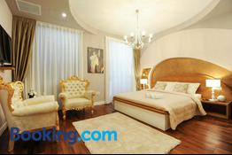Silver & Gold Luxury Rooms