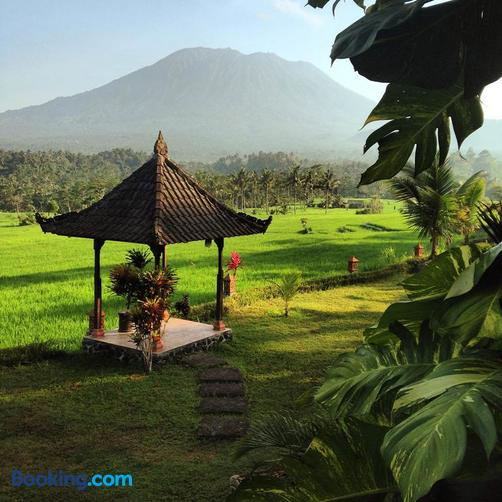 Great Mountain Views Villa Resort - Selat
