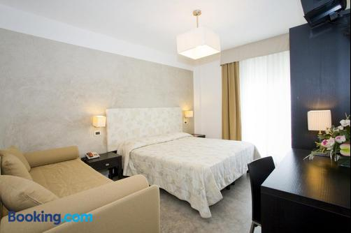 Hotel Savoy - Caorle - Bedroom