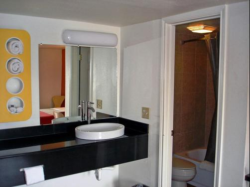 Motel 6 Sulphur Springs - Sulphur Springs - Bathroom