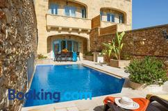 Deals for Hotels in Għarb