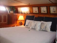 Dockside Boat and Bed