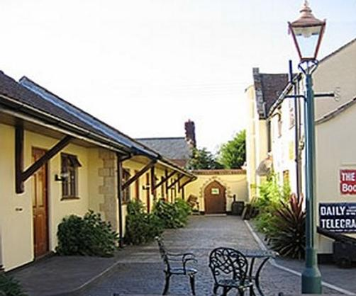 The Half Moon Inn & Country Lodge - Yeovil