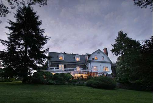 Hamanassett Bed & Breakfast - Chester Heights - Building