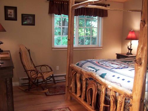 A Hidden Haven & Water Garden Cottages - Port Angeles - Bedroom