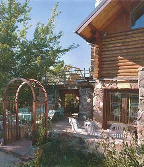 Elaine's Bed and Breakfast - Cedar Crest - Patio