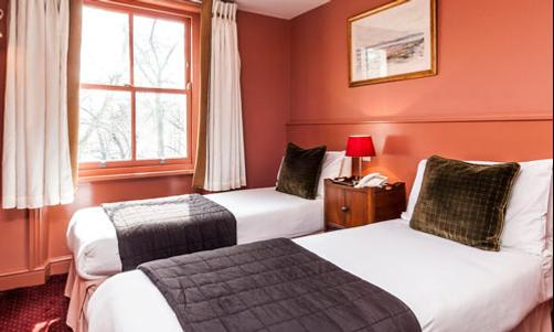 Castleton Hotel - London - Bedroom