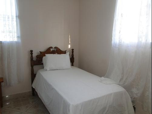 Ayiti Guesthouse - Port Au Prince - Bed