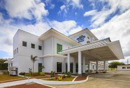Microtel by Wyndham South Forbes near Nuvali Sta. Rosa