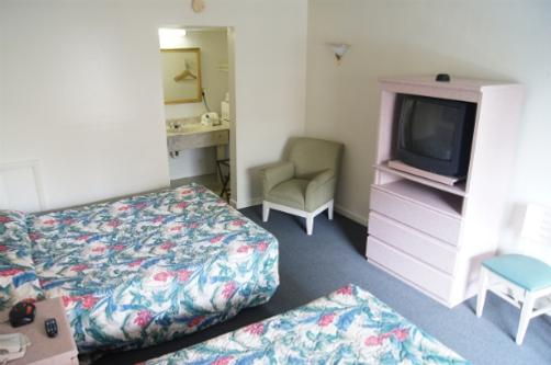 Ocean Plaza Motel - Myrtle Beach - Bedroom
