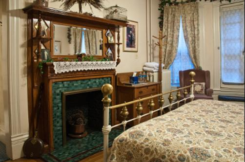 Castle Marne Bed & Breakfast - Denver - Queen bedroom