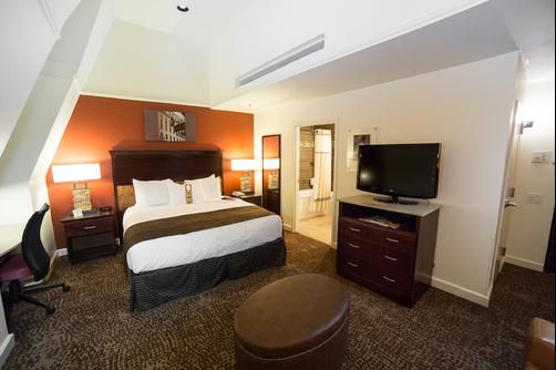 The Emily Morgan San Antonio - a DoubleTree by Hilton Hotel - San Antonio - Bedroom
