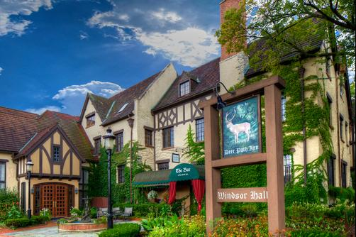 Deer Path Inn - Lake Forest - Building