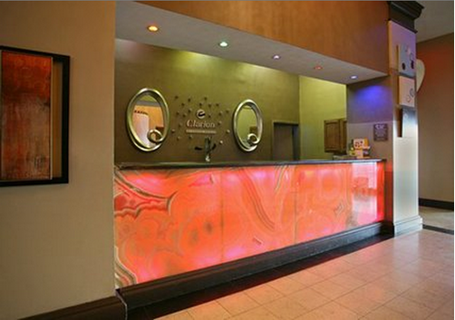Clarion Inn & Suites - New Orleans - Front desk