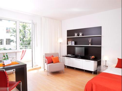 Frederics Serviced Apartments - Munich - Living room