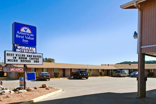 Americas Best Value Inn - Payson - Building