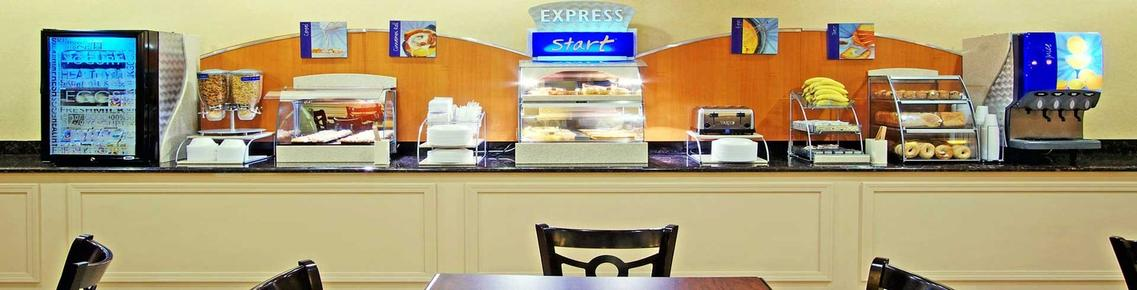Holiday Inn Express Las Vegas-Nellis - Las Vegas - Food