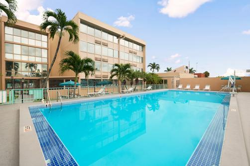 Hotel Days Inn Miami International Days Inn Miami International