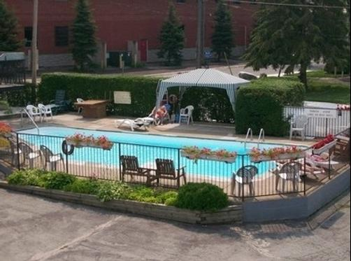 Crystal Inn - Niagara Falls - Pool