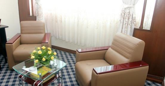 Asia Plaza Hotel - Yangon - Living room