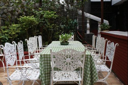 Villa La Maja Hotel And Restaurant - Baguio - Patio