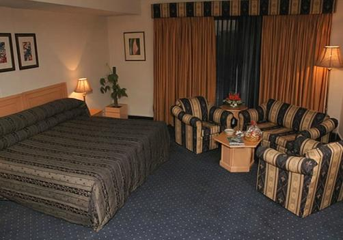 Smart Hotel Lahore - Lahore - Bedroom