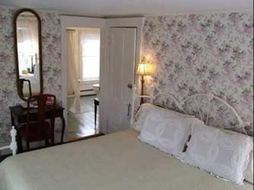 A White Swan Bed And Breakfast - White Horse Beach - Bedroom