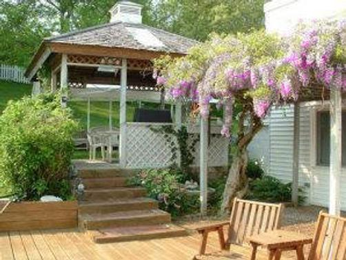 White Swan Bed & Breakfast - White Horse Beach - Patio