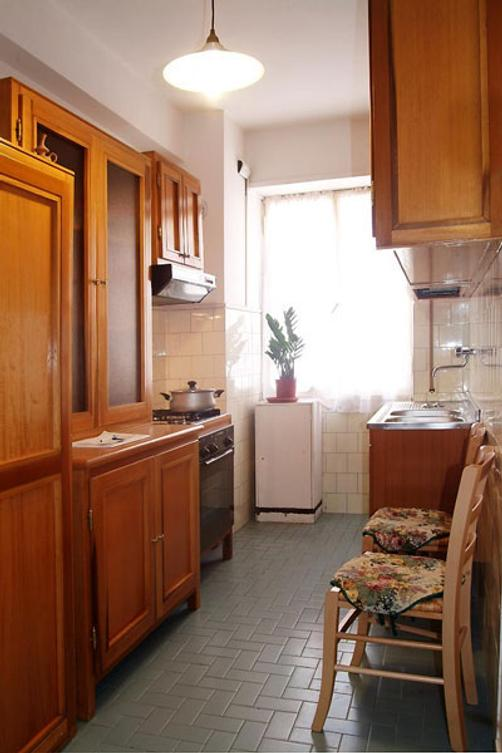 Tourist House Roma Hotel - Rome - Kitchen