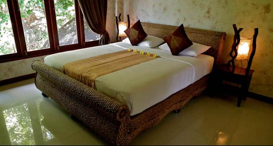 The Rocks Luxury Villas - Ko Tao - Bed