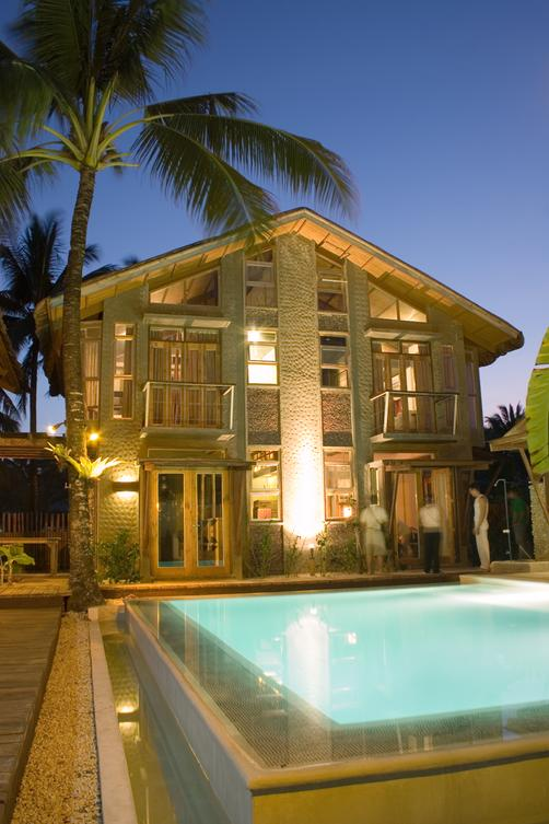 Mangoriders Beach Club - Malay - Building