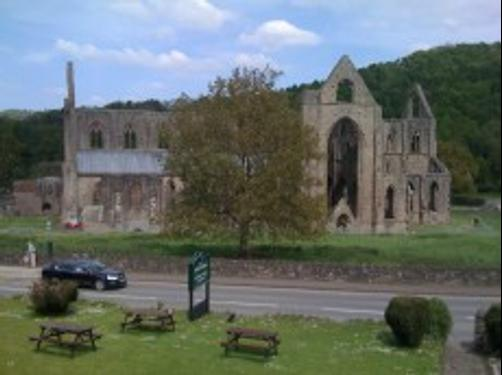 Tintern Abbey Hotel - Chepstow - Destination