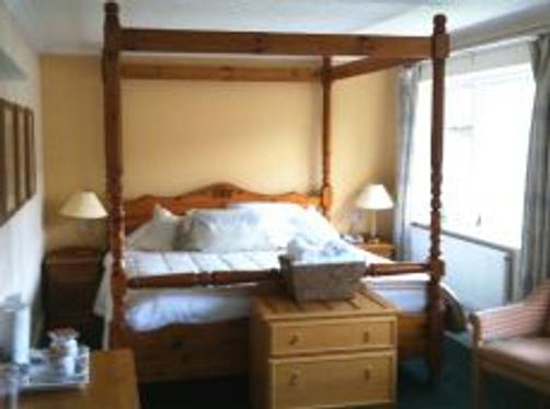 Tintern Abbey Hotel - Chepstow - Bedroom