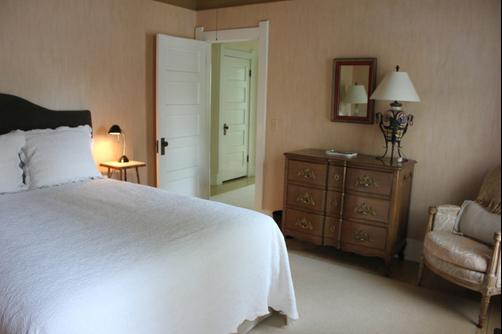 The Guest House - Perrysburg - Bedroom