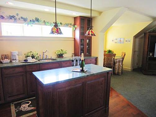 Strong House Inn - Vergennes - Kitchen
