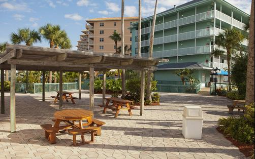 Clearwater Beach Hotel Suites - Clearwater Beach - Building