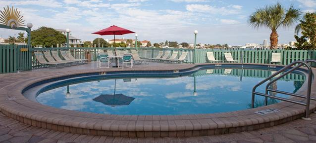 Clearwater Beach Hotel Suites - Clearwater Beach - Pool