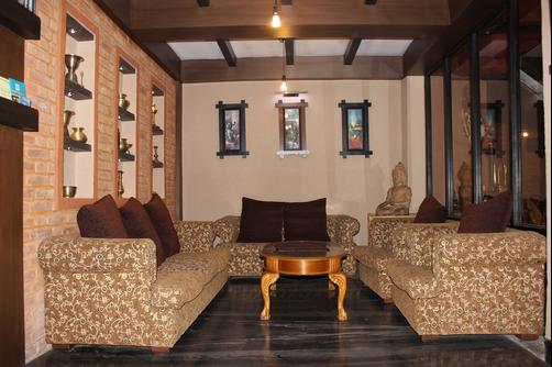 Bhadgaon Guest House - Bhaktapur - Living room