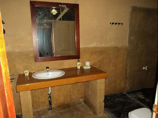 Hotel Rock Face - Kalutara - Bathroom