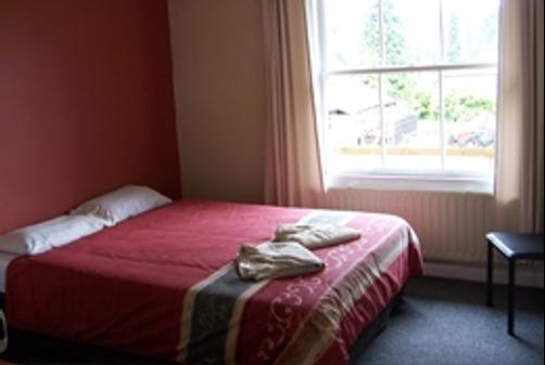 The Old Nurses Home Guesthouse - Reefton - Queen bedroom